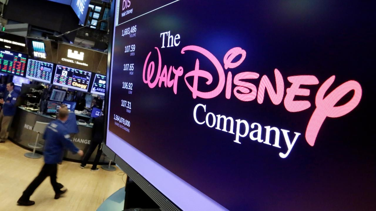 Why+Disney+is+Removing+All+Their+Movies+from+Netflix
