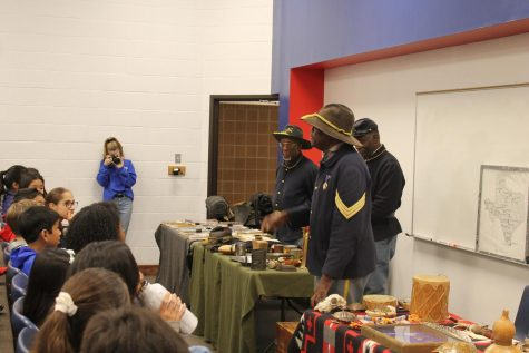 Buffalo Soldiers visit Canyon Vista