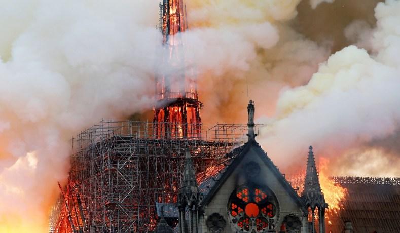 Should+the+Notre+Dame+be+Rebuilt%3F