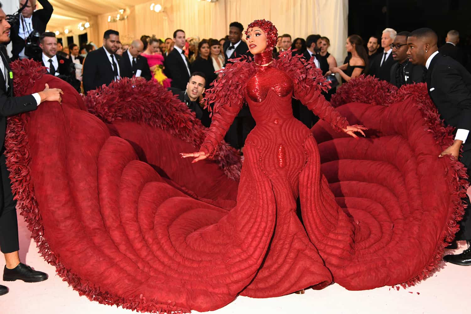 Cardi+B+in+Thom+Browne.+This+definitely+take+the+prize+of+being+one+of+the+craziest+outfits+we+have+seen%2C+as+usual+Cardi+B+pulling+through+with+another+amazing+and+crazy+outfit+and+it+never+disappoints.++10%2F10+