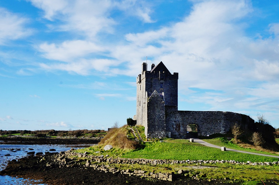 Do+you+want+to+stay+in+a+castle+again%28still+in+Ireland%29%3F+Do+you+want+to+stay+in+a+smaller+castle+for+1%2F9th+the+price%3F+Well%2C+for+%24179+a+night+you+can+get+access+to+1+bedroom%2C+two+beds%2C+and+a+half+bath.+PLUS+Free+WiFi.+Sadly%2C+according+to+the+owner%2C+the+inside+is+in+a+very+dusty+and+cobwebby+state.+