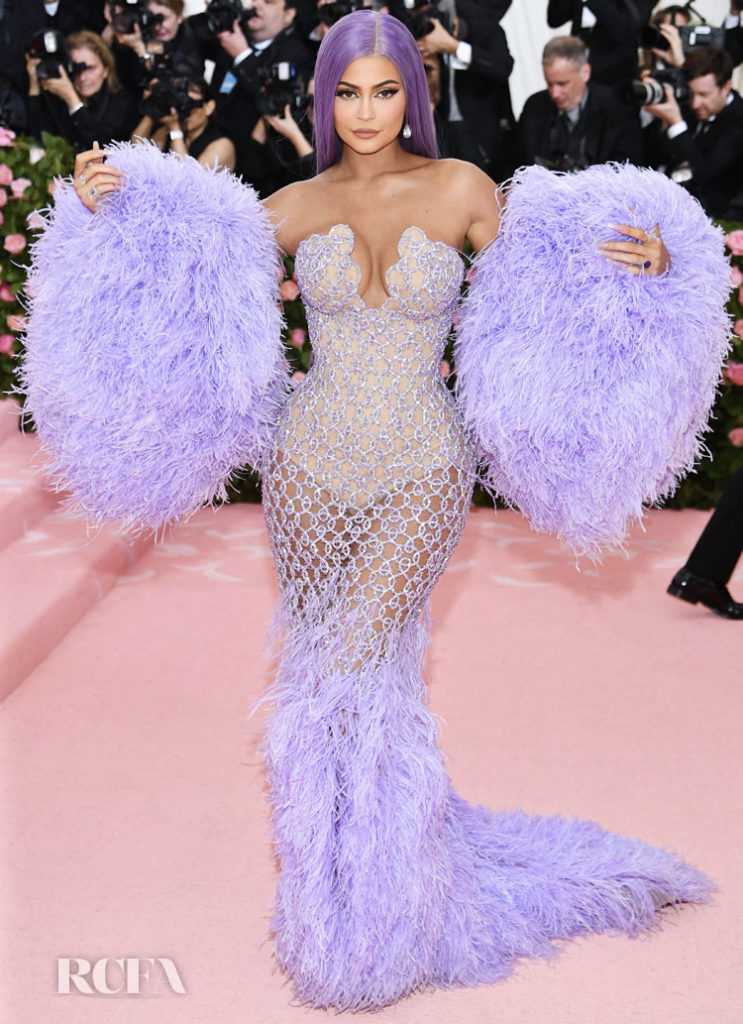 Kylie+Jenner+in+Versace.+I+have+always+loved+Kylie%27s+outfits+I+dont+know+if+this+has+enough+camp.+5%2F10