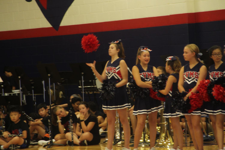 Cheerleaders+and+band+waiting