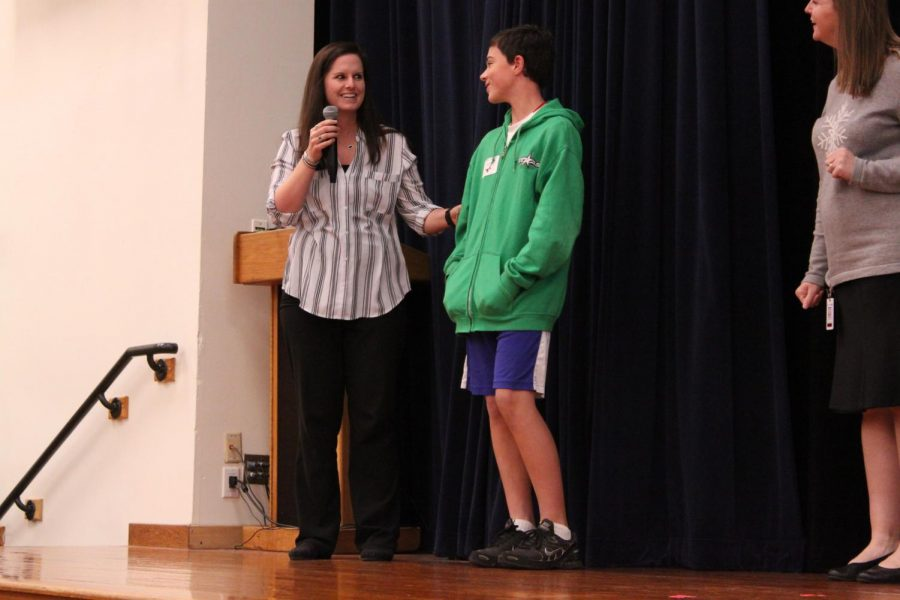 Teachers Celebrate Students at Seventh Grade CV Honors